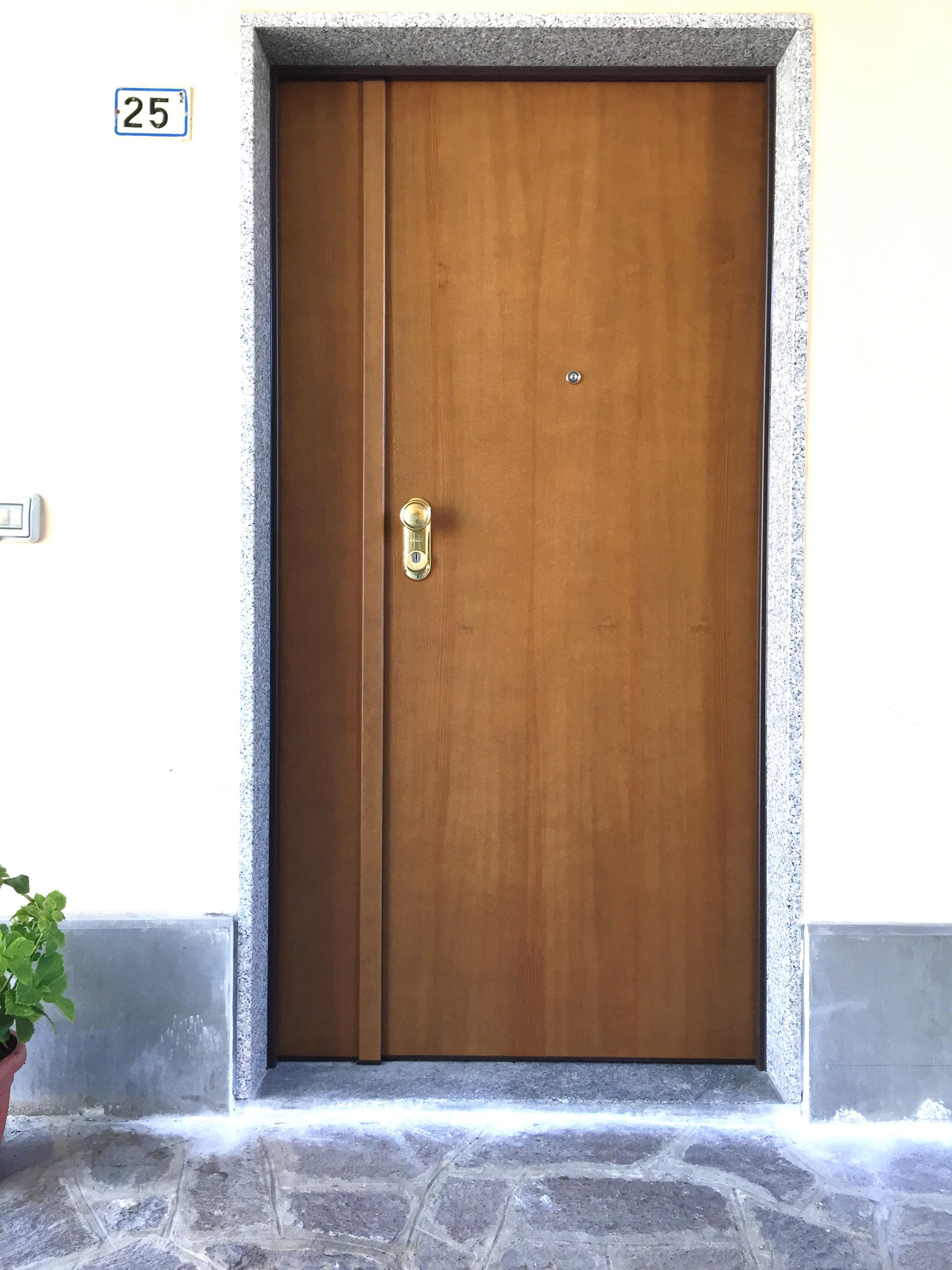 Porta blindata Dierre Sentry 1 , doppio battente , abitazione a Maleo.