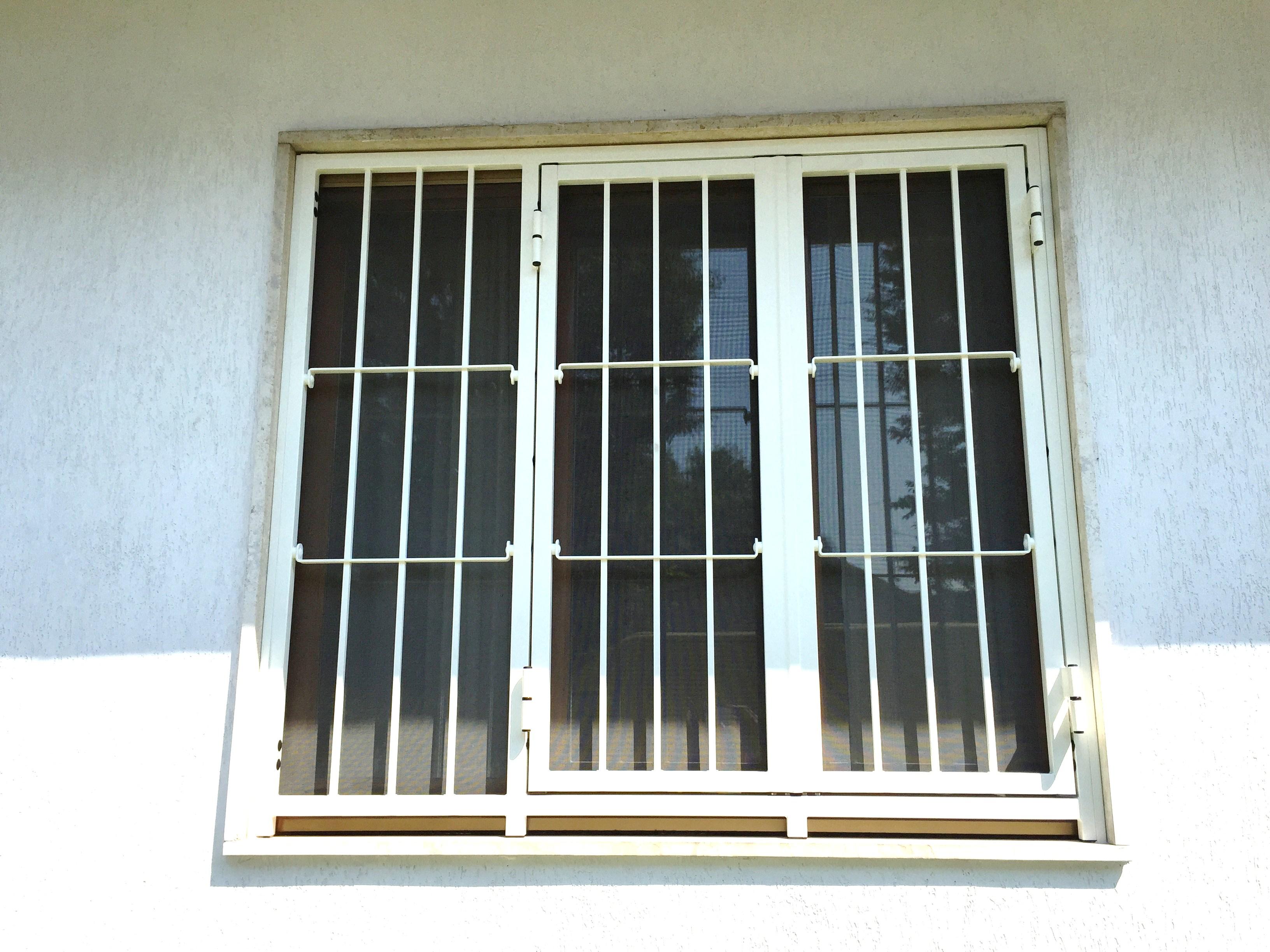 Cancelli di sicurezza apribili   certificati in classe 3 anti effrazione , abitazione a Cremona.