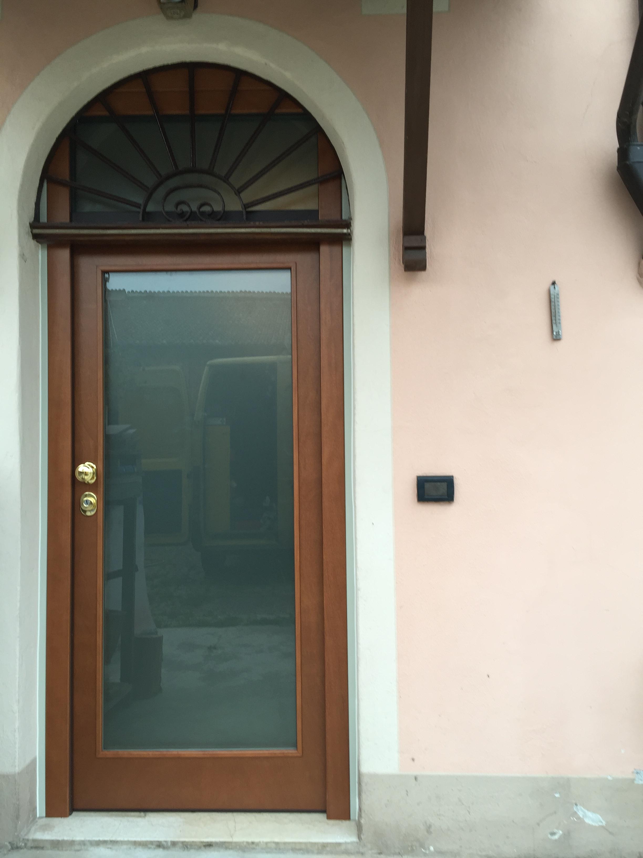 Porta blindata Dierre , mod. Vitra , con sopraluce abitazione provincia di Brescia.