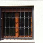 Inferriate fisse , abitazione a Castelverde (CR).